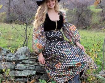 Vintage 1970's prairie style maxi dress // hostess dress // boho dress // small