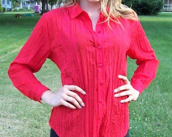 Vintage Ladies Red Crinkled Blouse Shirt by Bon Worth Small Petite Only 7 USD