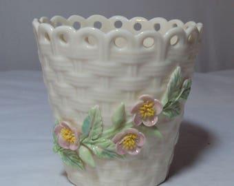 Belleek Basket Weave Spill Vase Appllied Roses 3rd Green Mark