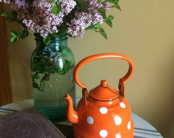 Vintage Enamelware Tea Kettle Orange with White Polka Dots, 32 OZ Enamel Tea Pot, Orange and White Vintage Tea Kettle, Vintage Home Decor