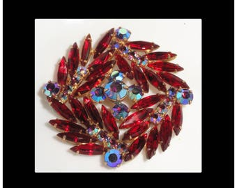 Beautiful Juliana Style Red & Blue Borealis Prong Set Glass Rhinestone Vintage Brooch