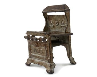 Antique Miniature Cast Iron Stove by Royal Doll Furniture Doll House Kitchen