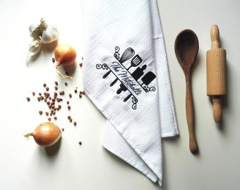 Set of 2, 4 or 6 Kitchen Towel / Waffle Tea Towel / Personalized Monogrammed Towel / Hand Towel / Bath Towels / Embroidered Towel