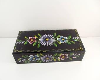 Jewelry box / Hand painted box / Wooden Box / Jewelry Storage / Vintage Box / Floral Jewelry box / Floral Motif / Handmade Jewelry box