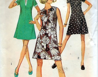 """Vintage 1970 Simplicity 8702 Retro Dress In Half-Sizes Sewing Pattern Size 12 1/2 Bust 35"""""""