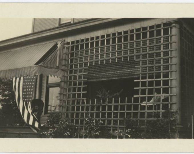 Vintage Photo Snapshot: Front Porch, American Flag, c1930s (76589)