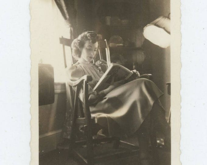 Vintage Snapshot Photo: Woman Reading by Window, c1940s  (81633)
