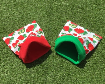 Cuddle sack for small pets. Strawberries pattern polycotton and fleece. 3 sizes. Option to add a water-resistant interlining.
