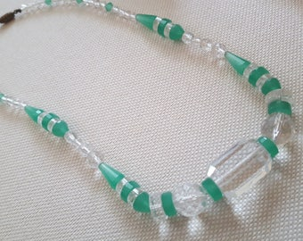 Vintage Art Deco Green & Clear Glass Bead Necklace // 1930s Choker // Amazing Shaped Beads // Gorgeous Chrysoprase Green Colorer