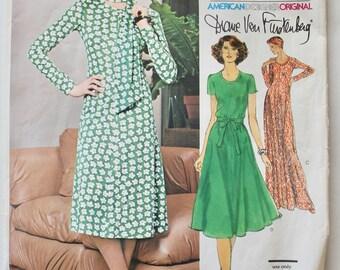 Vintage 1970s Womens  Sewing Pattern Very Easy Vogue American Designer Original Diane Von Furstenberg Dress 1547 Size 12 Bust 34