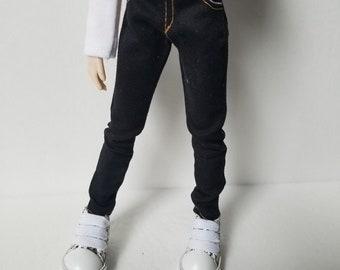 Black skinny jeans for Taeyang