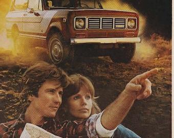 1976 Advertisement International Scout Truck Retro Vintage Wall Art Decor Garage Gift for Him Adventure Outdoors Car Ad