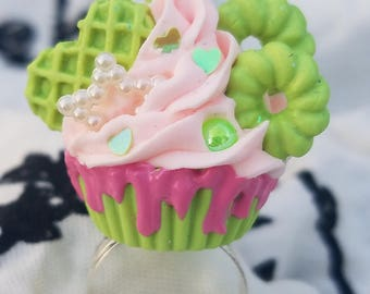Sweet Lolita Cupcake Ring 51 Strawberry Acid