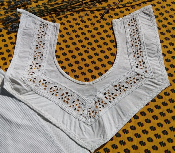 Antique French Eyelet Lace Collar Square Neckline White Cotton Sewing Project #sophieladydeparis