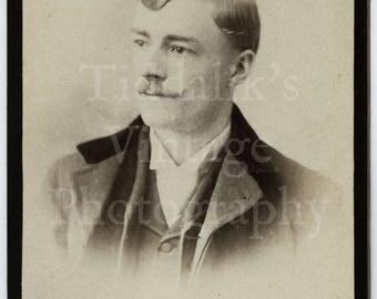 CDV Carte de Visite Photo - Young Victorian Mustached Man Portrait - Scannell of London