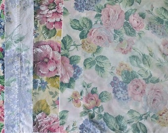 Lot of 4 Mismatched Pillowcases - Pink Purple White Green Rose Hydrangea Lilac Floral Print - Vintage Retro Flower - Standard Size