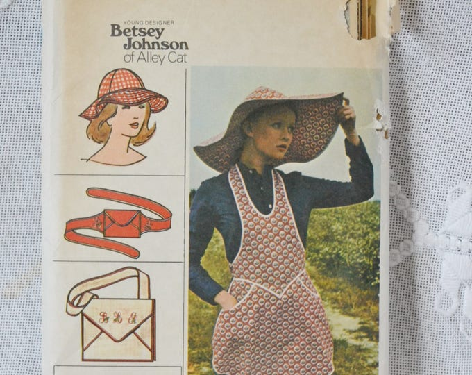 Butterick 3550 Sewing Pattern Misses Apron Hats Bag Size M DIY Fashion Sewing Crafts PanchosPorch
