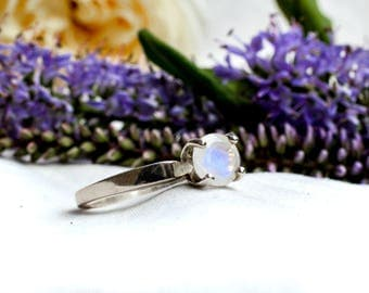 Brilliant Cut Rainbow Moonstone Ring with 925 Sterling Silver *Free Worldwide Shipping*