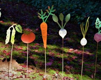 Cucumber Vegetable Stake | Vegetable Garden | Vegetable Marker | Garden Stake | Metal Yard Art | Farm to Table Art | Metal Pickle | V308