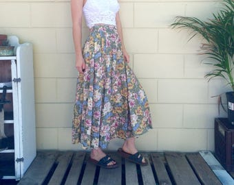 Vintage Floral Button Up High Waisted Skirt - Size 6 - Small