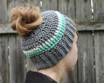 RTS Messy Bun Hat, Grey Green Multicolored Ponytail Beanie, Ready to Ship Gray Striped Handmade Crochet Messy Bun Beanie, Knit Pony tail Hat