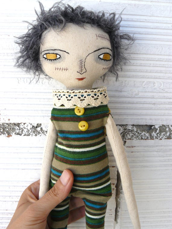 Zombie cloth doll in cotton and linen. 35 cm. Halloween doll. Died in 2013