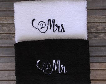 Embroidered Mr and Mrs bath hand towel, Just Married towel, Bridal Gift, Mr and Mrs Decor
