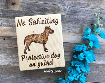 No soliciting signs dog, No soliciting wood sign, Protective dog sign, No solicitation sign, Wood No soliciting sign, Beware of dog sign