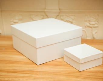 X Large Square Matt White gift box. Wedding gift boxes. Deep white gift boxes. Hat Box. Tiara gift boxes. 20cm x 20cm x 10 cm. Strong box