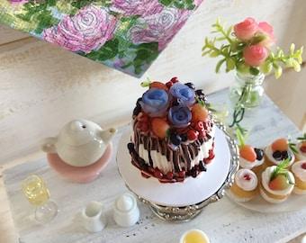 Miniature Cake (Blue Roses & Berries)