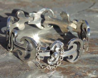 Beto ~ Vintage Taxco Sterling Silver Thick Gauge Link Bracelet c. 1950's