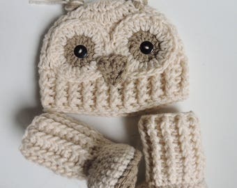 Crochet Owl Beanie and Booties, Owl Hats, Owl Beanies, Snowy Owl Hats, Crochet booties, Luv Beanies, Baby Hats, Owl Photo Props, Animal hats