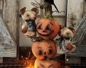 HANDMADE PRIMITIVE MOUSE|Folk Art Mouse|Primitive Halloween|Halloween Mouse|Primitive Autumn|Primitive Fall|Pumpkin|Crow|Ghost|Decoration