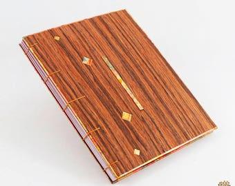 Livre d'Or/Album photo en bois foncé – Pour un Mariage ou un autre évènement (MODÈLE F) – SUR COMMANDE
