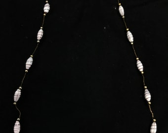 Unique vintage swirl bead necklace