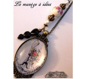 Cabochon pendant necklace / model of yesteryear / bronze metal.