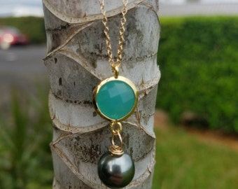 Chalcedony and Tahitian pearl necklace
