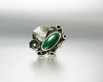 Vintage Navajo Malachite Ring Native American Silver Jewelry Old Pawn Leaf Design Oval Stone Pinky Ring SIze 5