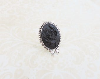 Black Gothic rose cameo  ring , gothic victorian, silver ring,  gothic lolita jewelry, flower cameo, bow ring, retro, romantic , steampunk
