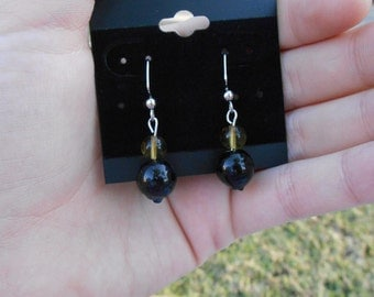 Simple Glass Bead Earrings