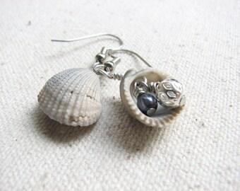 Beach Shell Earrings, Sea Shell Jewelry. Beach Wedding Jewelry, Gray Tone, Natural Ocean Nautical Earrings