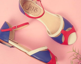Romance Francia - Leather flat sandal in blue, red and white - Handmade in Argentina