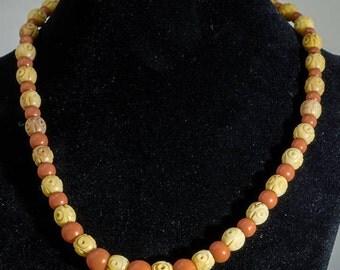 Vintage 1950s Plastic Bead Necklace