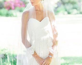 Flora Fingertip Alencon Lace Veil, Lace Veil, Alencon Lace Veil, Ivory Veil, Single Layer Veil, Fingertip Veil, Bridal Veil, Short Veil