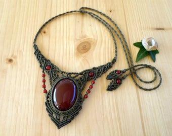 Carnelian macrame necklace, macrame jewelry, hippie necklace, carnelian jewelry, macrame stone, gemstone necklace, bohemian jewelry
