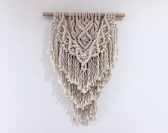 Macrame wall hanging, extra small size, 3mm cotton rope / bohemian / nursery decor / tapestry