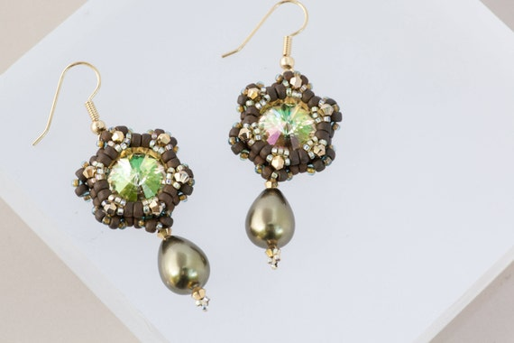 Green Gold Star Dangle Earrings, Army Green, Flower Earrings, Green Drop Beaded Beadweaving, Gift for Her, Brilliant Green Swarovski Rivoli