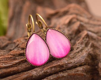 Dahlia petal earrings, flower earrings, tear drop earrings, dangle earrings, brass earrings, glass earrings, pink earrings