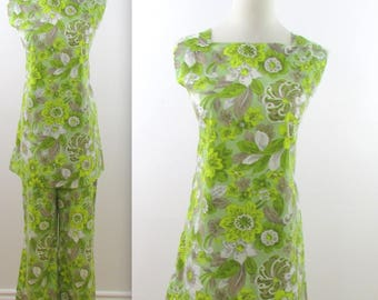 Green Goddess Tunic Pant Suit - Vintage 1970s 2 Piece Petite Outfit in Small
