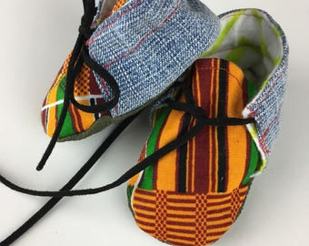 Newborn baby booties in Kente Cloth (Crib Shoes)